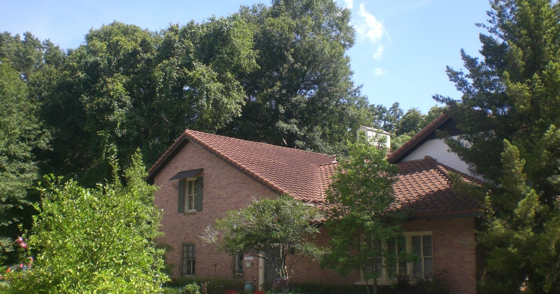 The Stockade exterior in summer